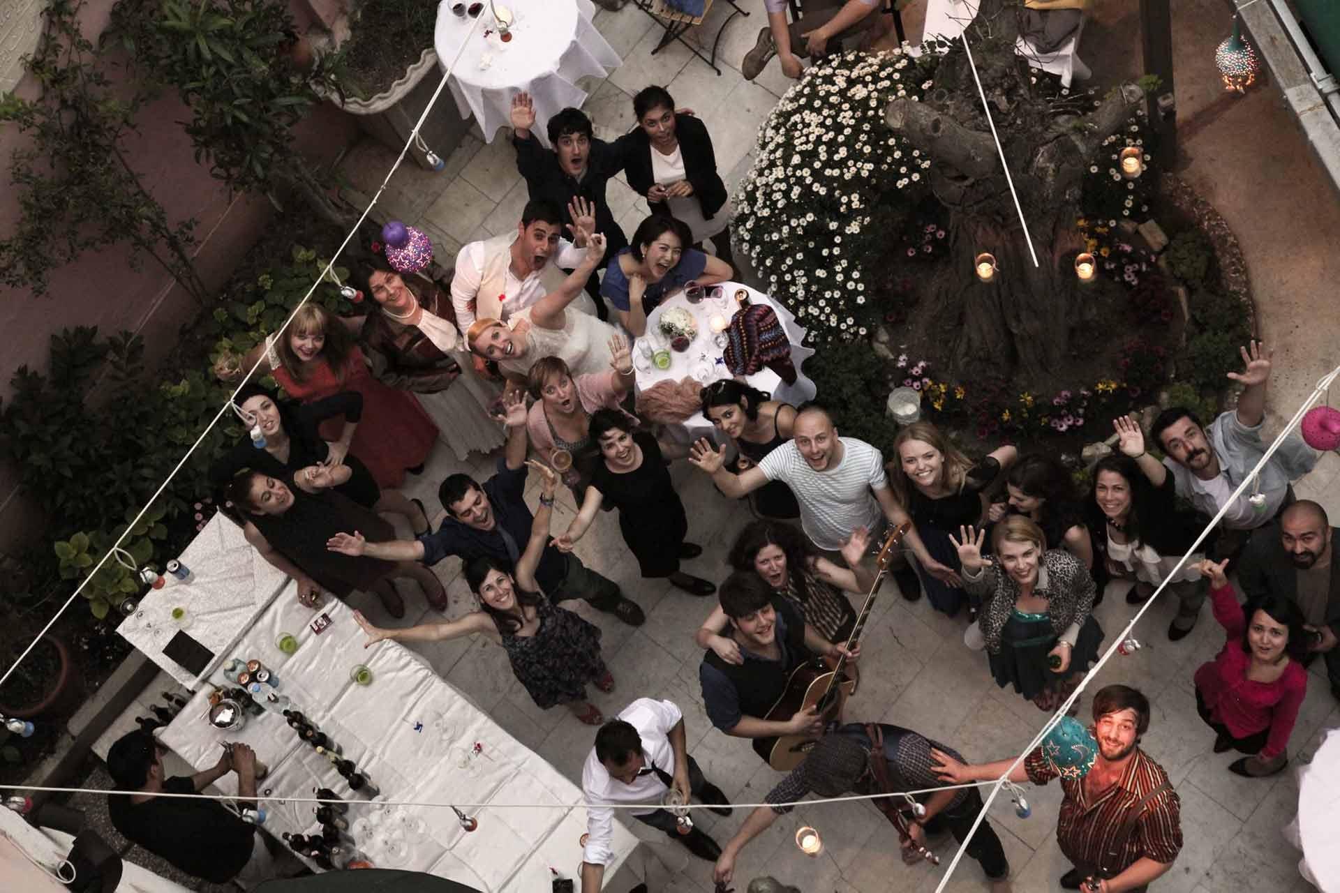 balkondan-düğün